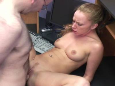 Amateur Girl leckt seinen Penis