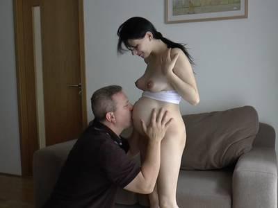 Schwangere Girls lassen seinen Schwanz stramm stehen