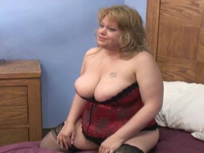 Blonde BBW wird in Dessous genagelt