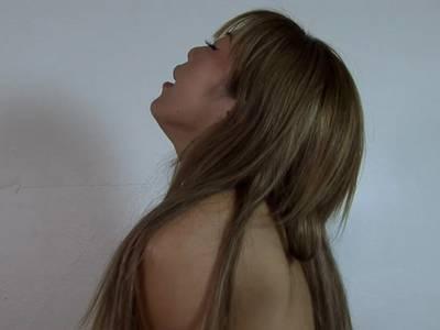 Wunderschöne schlanke Thai mit dicken Titten wird gefickt